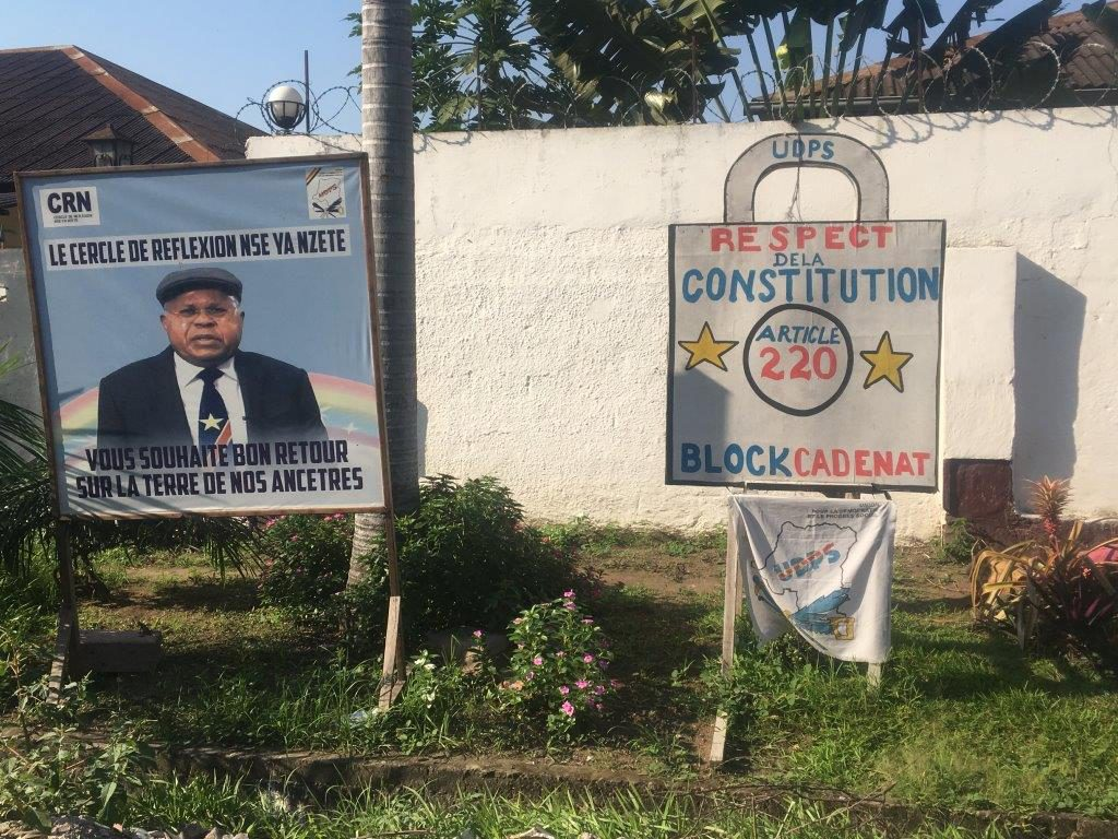 In front of the house of Etienne Tshisekedi leader of main opposition party UPDS Photo Koert Lindijer